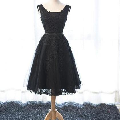 Black A-Line Tulle Homecoming Dress..