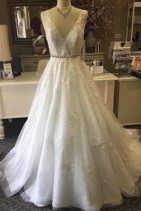 Sexy Back Open Top Beaded Wedding Dresses Belt A Line V-Neck Court Train Bridal Dresses,White Lace Bridal Dresses 2017,Elegant Bridal Dresses