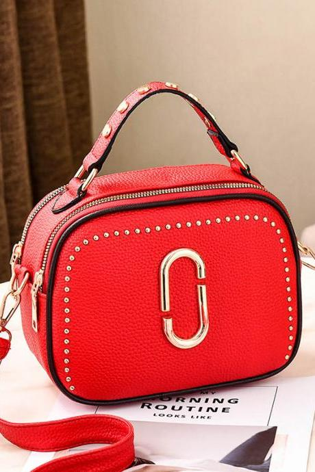 Autumn winter on the new small bag women's new tide Korean fashion wild shoulder bag personality portable Messenger