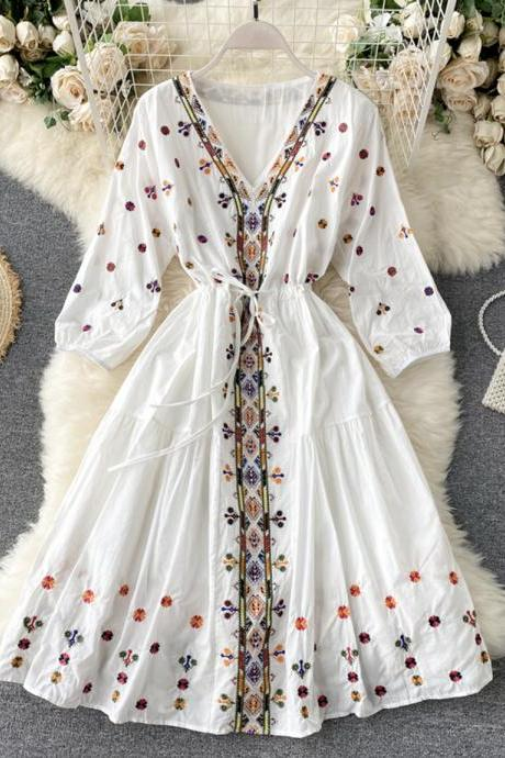 Bohemian retro women dress ethnic heavy industry embroidery V-neck drawstring belt waist thinning puff sleeve holiday dress