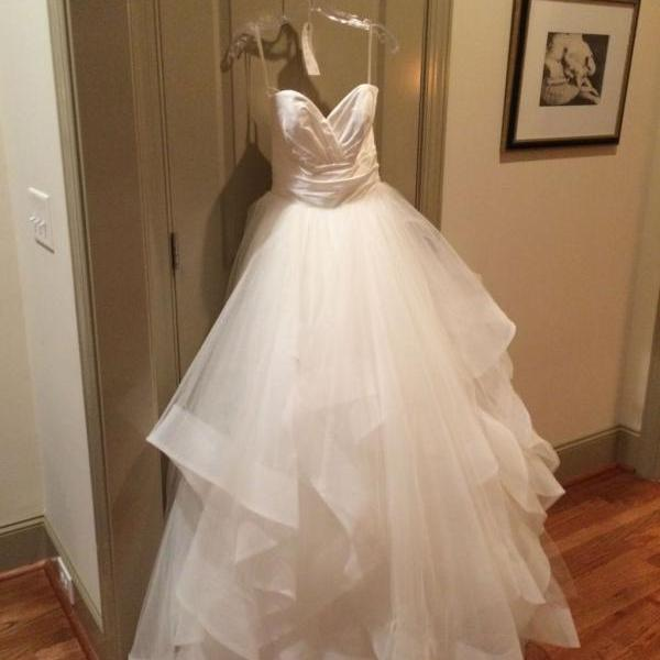 Simple Spaghetti Straps Sleeveless Wedding Dress A-Line Court Train Tiered bride Dress